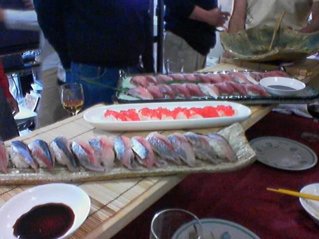 内輪のパーティー寿司登場