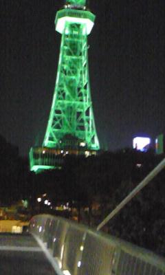 栄 テレビ塔 橋が揺れて写真がぶれる