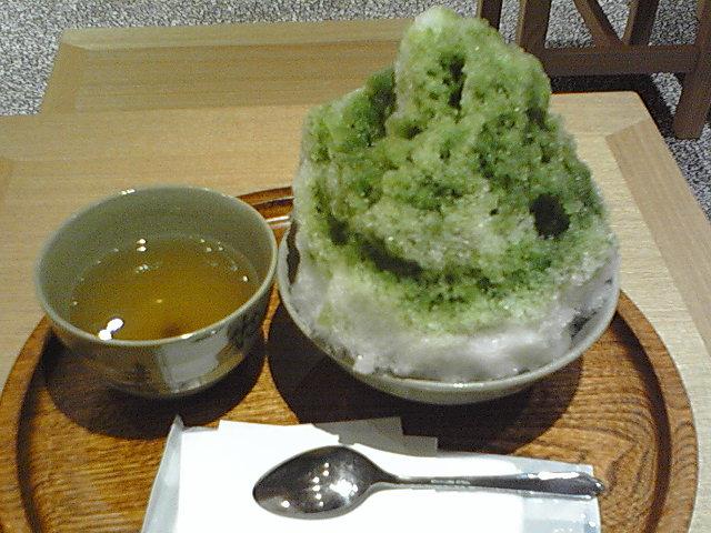 梅田 赤福氷 冷たい美味しい